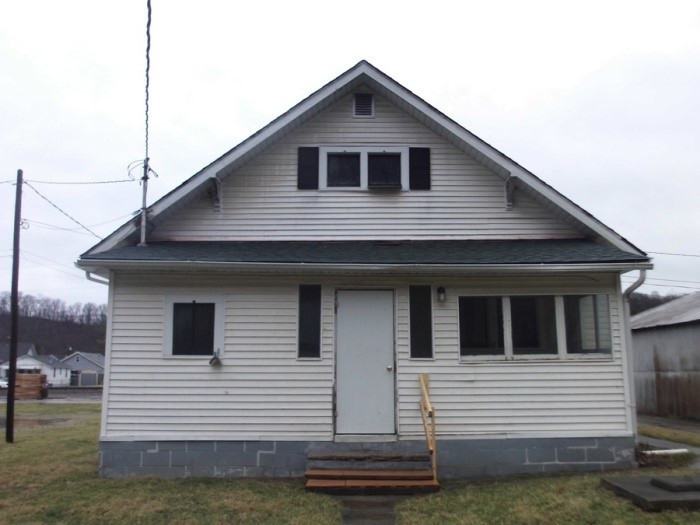 Photo 2 for 111 South St Butler, KY 41006
