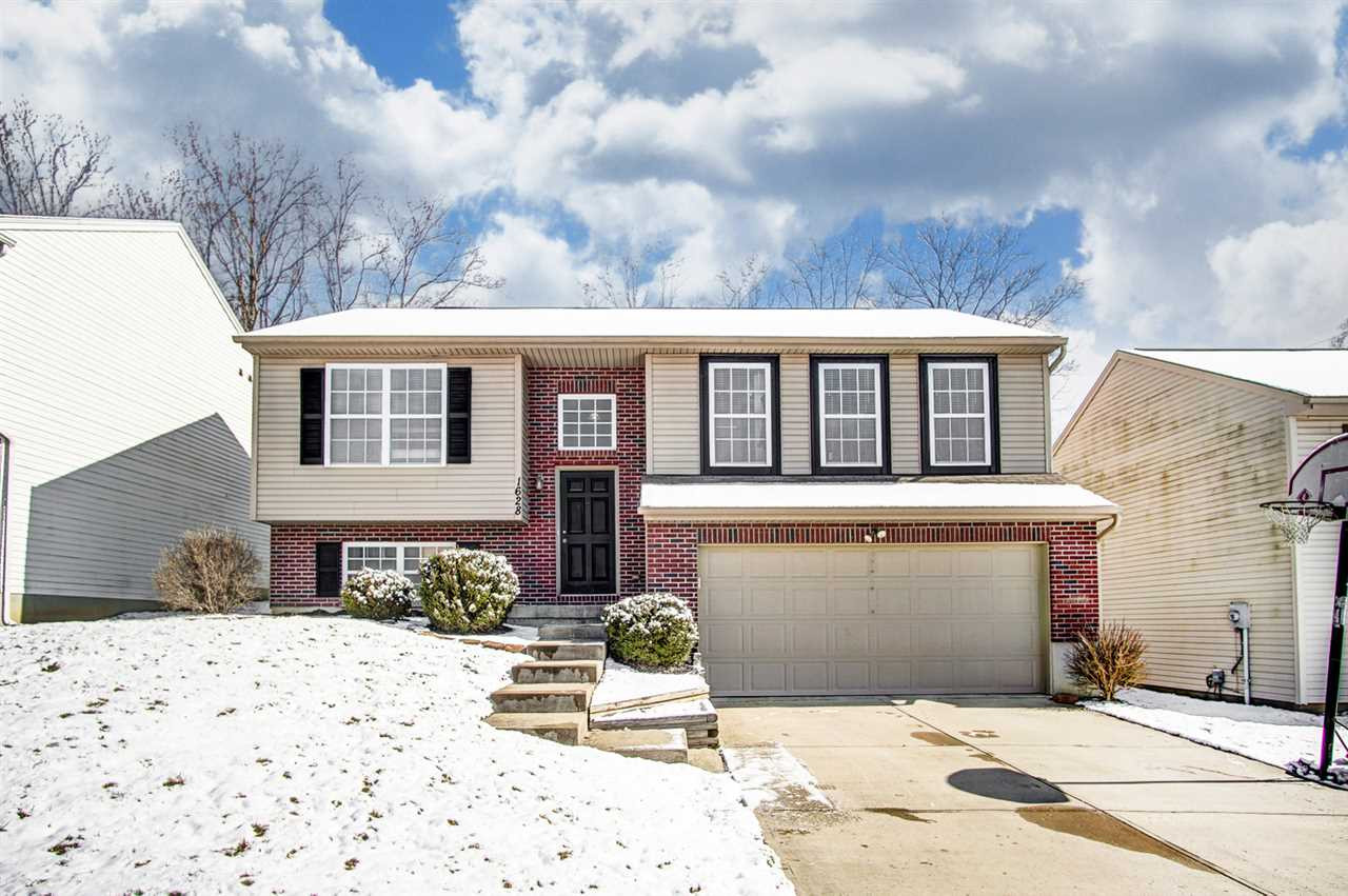 Photo 1 for 1628 Raintree Ct Elsmere, KY 41018