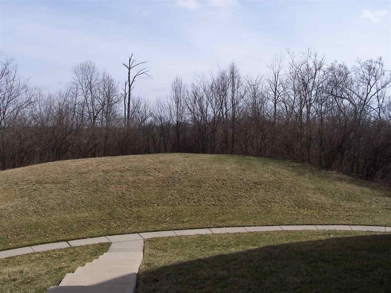 Photo 2 for 586 Fawn Run Dr, 9 Cold Spring, KY 41076