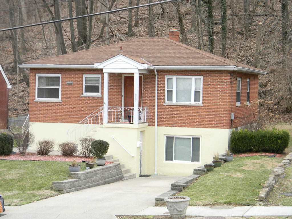 Photo 1 for 905 Highland Covington, KY 41011