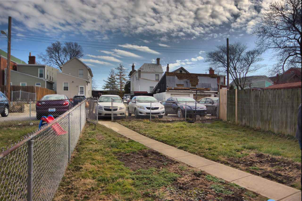 Photo 3 for 1710 Banklick Covington, KY 41011