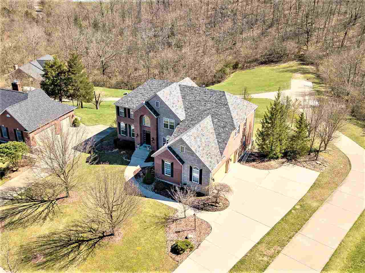 Photo 2 for 120 Whispering Woods Dr Alexandria, KY 41001