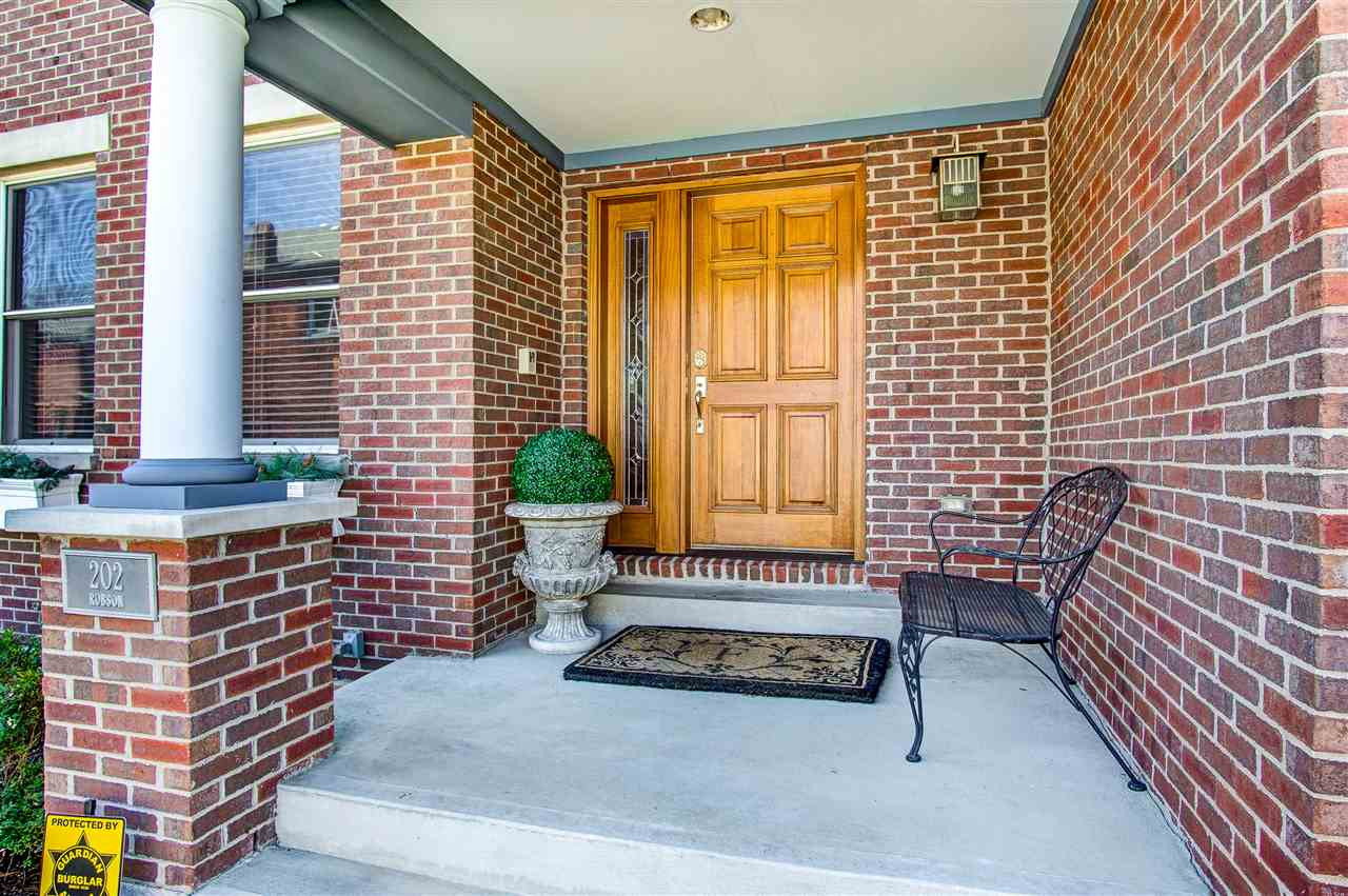 Photo 2 for 202 Robson Ln Bellevue, KY 41073