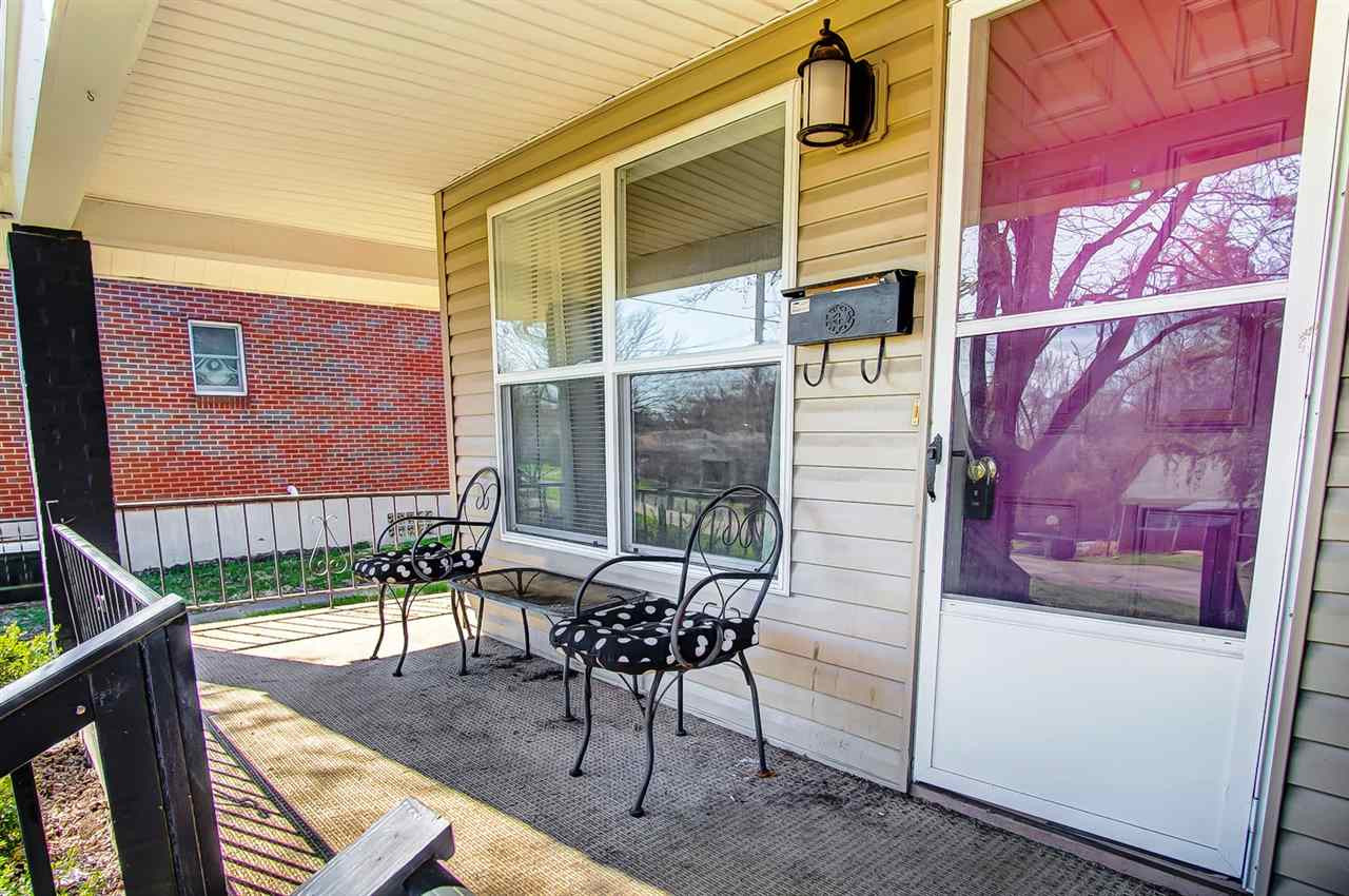 Photo 2 for 290 Sunset Dr Highland Heights, KY 41076