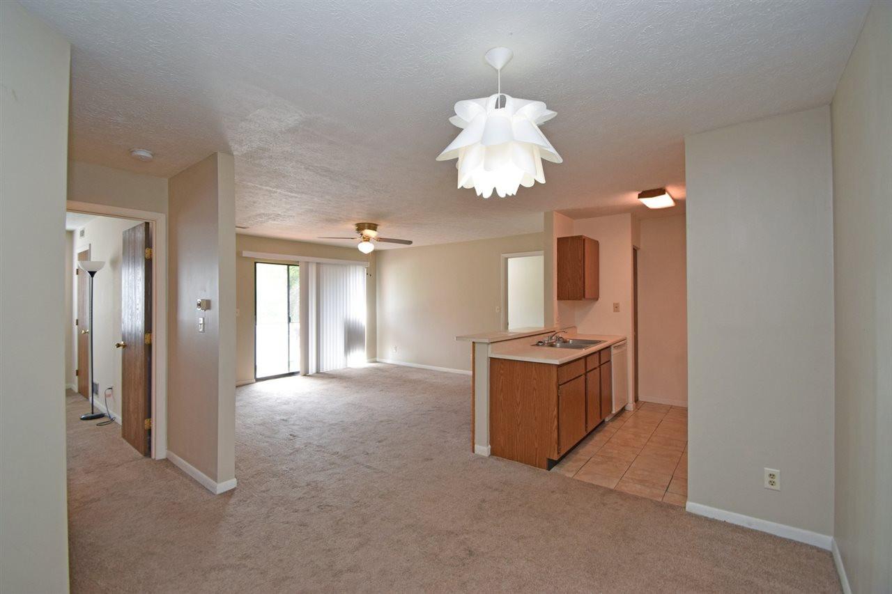 Photo 3 for 30 Woodland Hills Dr, 5 Southgate, KY 41071