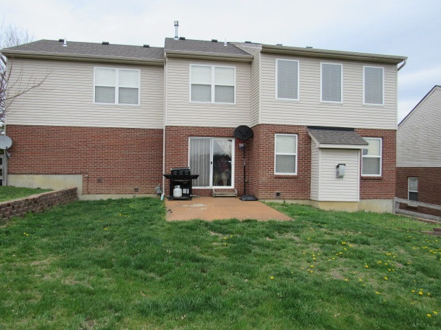 Photo 2 for 386 Foxhunt Dr Walton, KY 41091