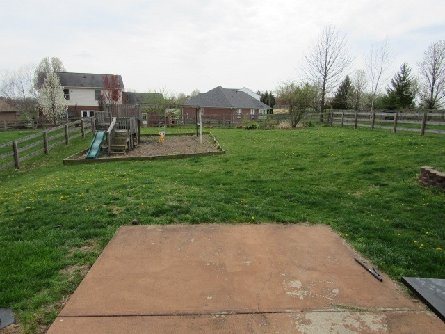 Photo 3 for 386 Foxhunt Dr Walton, KY 41091