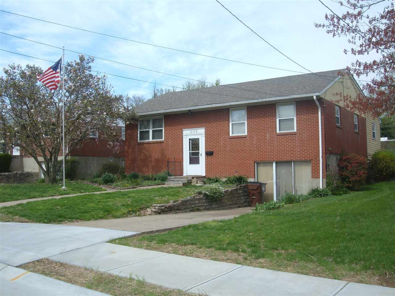 Photo 2 for 206 Caldwell Dr Elsmere, KY 41018