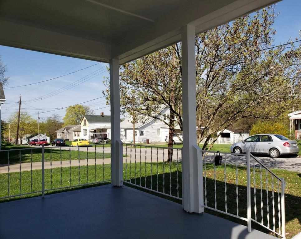 Photo 3 for 417 Fox St Elsmere, KY 41018