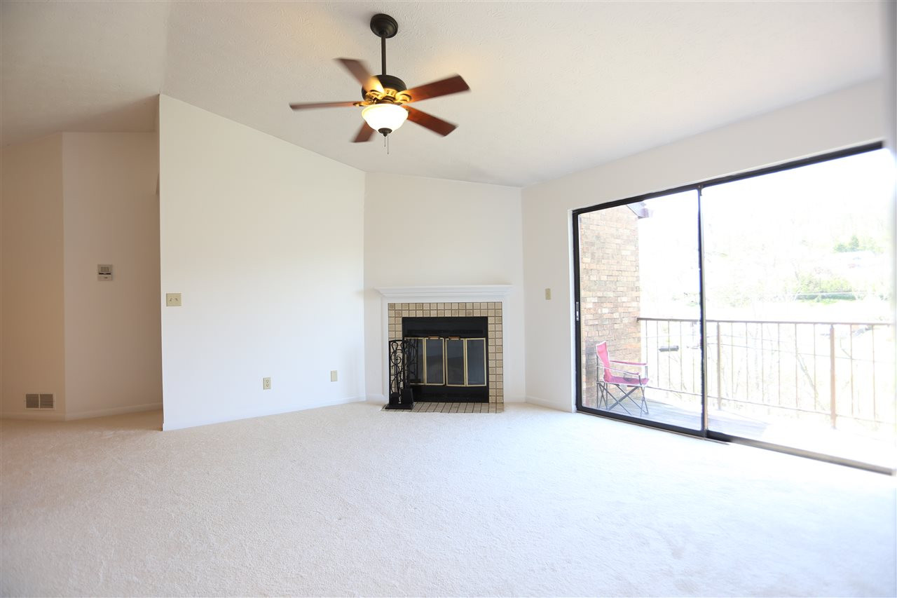 Photo 3 for 32 Woodland Hills, 12 Southgate, KY 41071