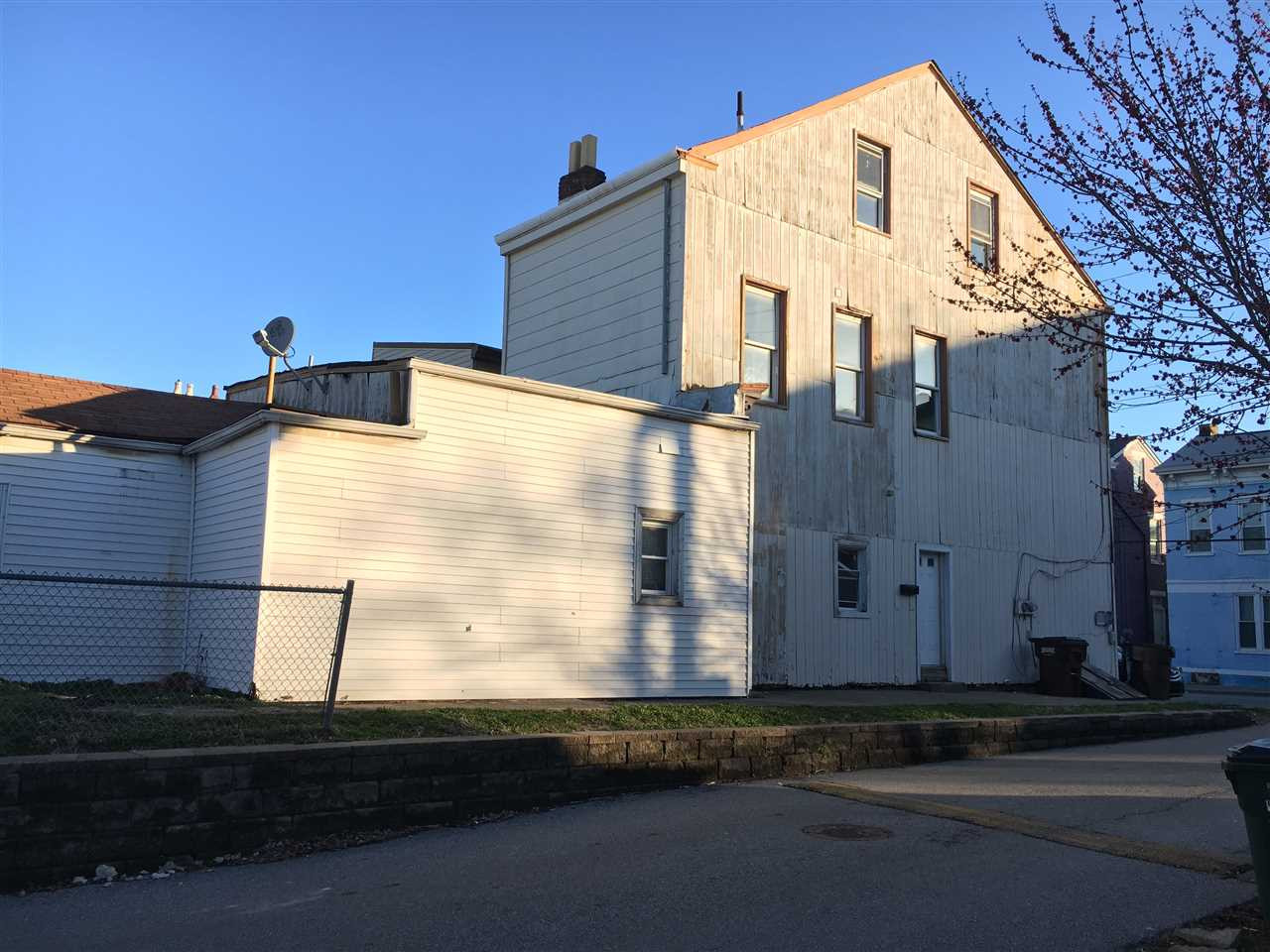 Photo 2 for 740 Central Newport, KY 41071