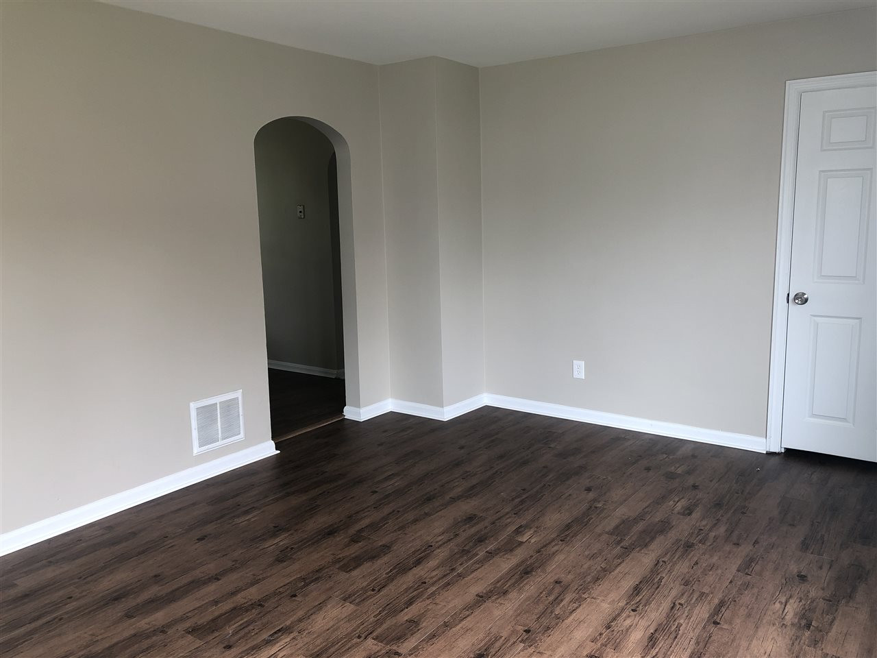 Photo 3 for 305 Clay St Erlanger, KY 41018