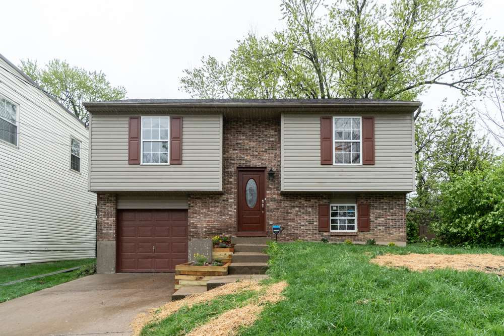 Photo 1 for 220 Dell Elsmere, KY 41018