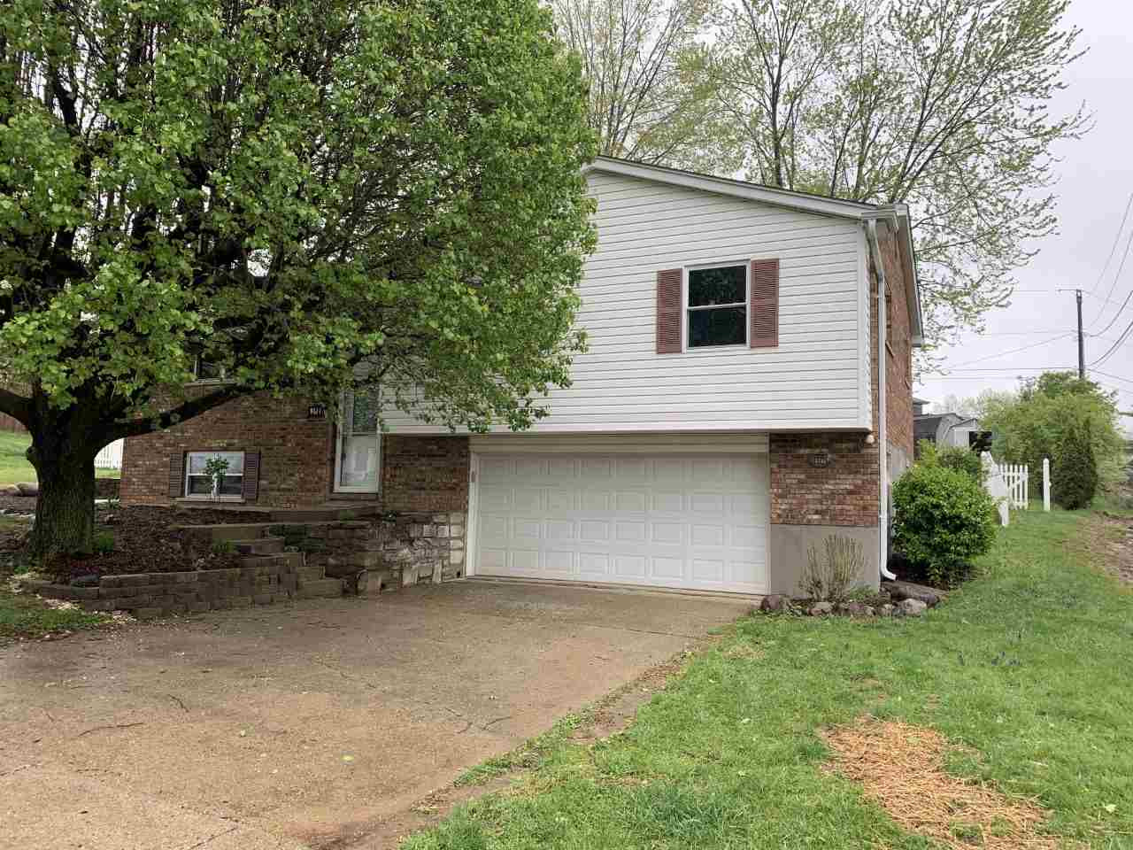 Photo 2 for 8581 Winthrop Cir Florence, KY 41042