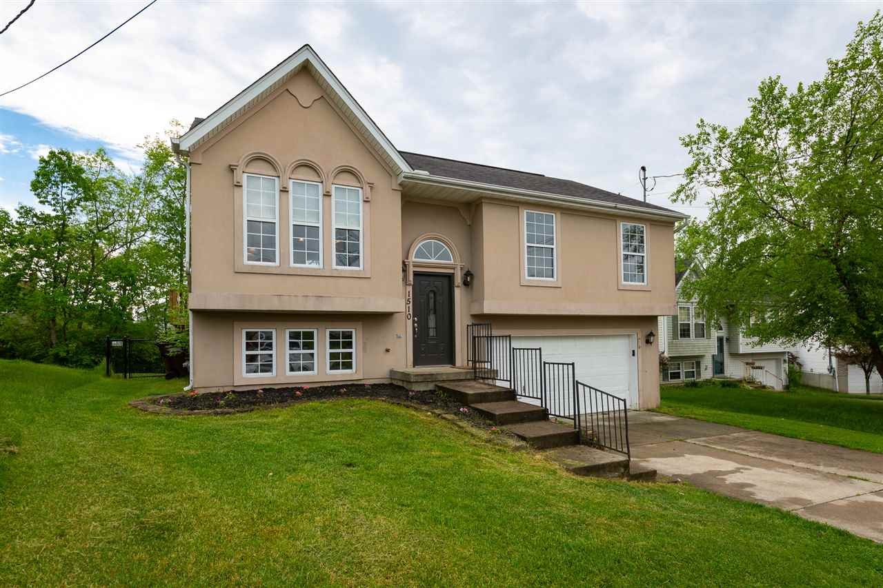 Photo 1 for 1510 Waterfall Way Elsmere, KY 41018
