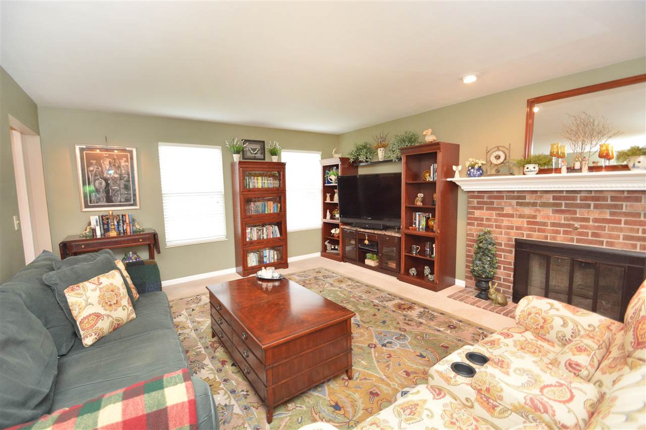 Photo 2 for 194 Meadow Creek Dr Florence, KY 41042