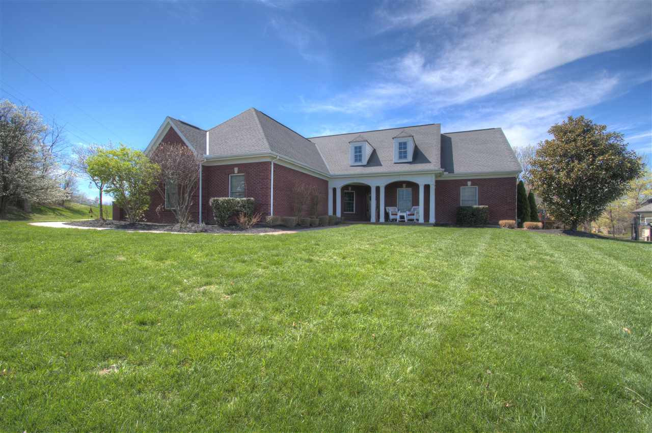 Photo 1 for 806 Pointe Dr Villa Hills, KY 41017