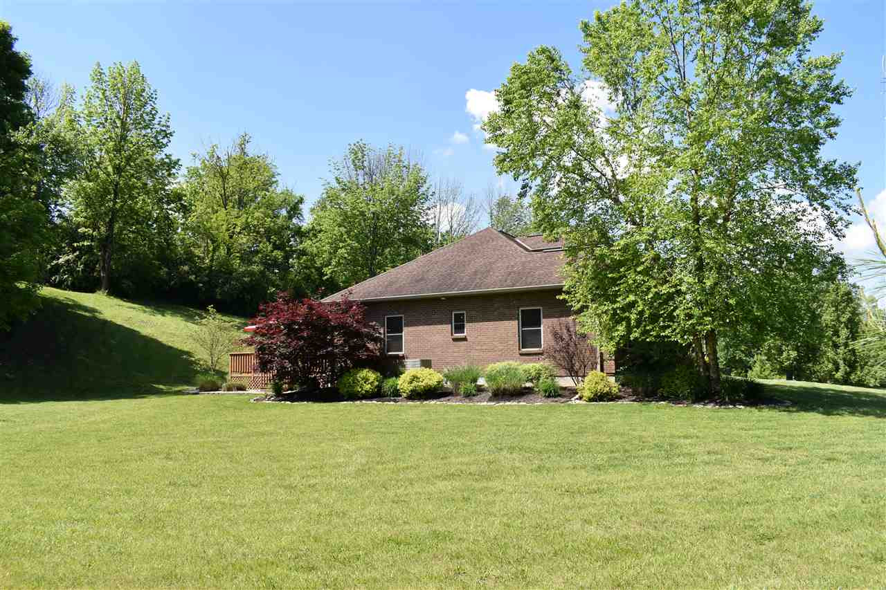 Photo 3 for 945 Sunnybrook Dr Florence, KY 41042