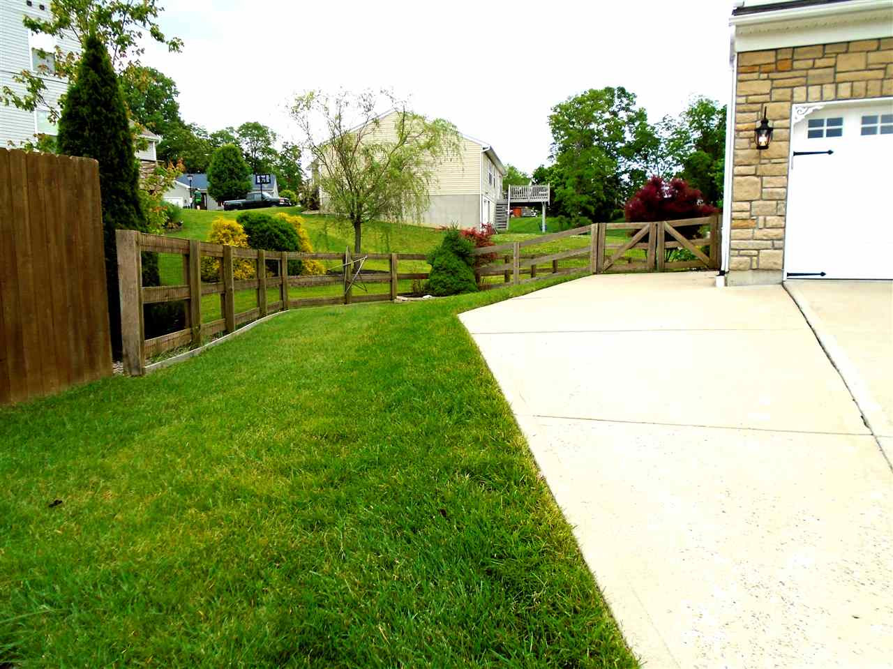 Photo 3 for 129 Mary Elizabeth Ct Independence, KY 41051