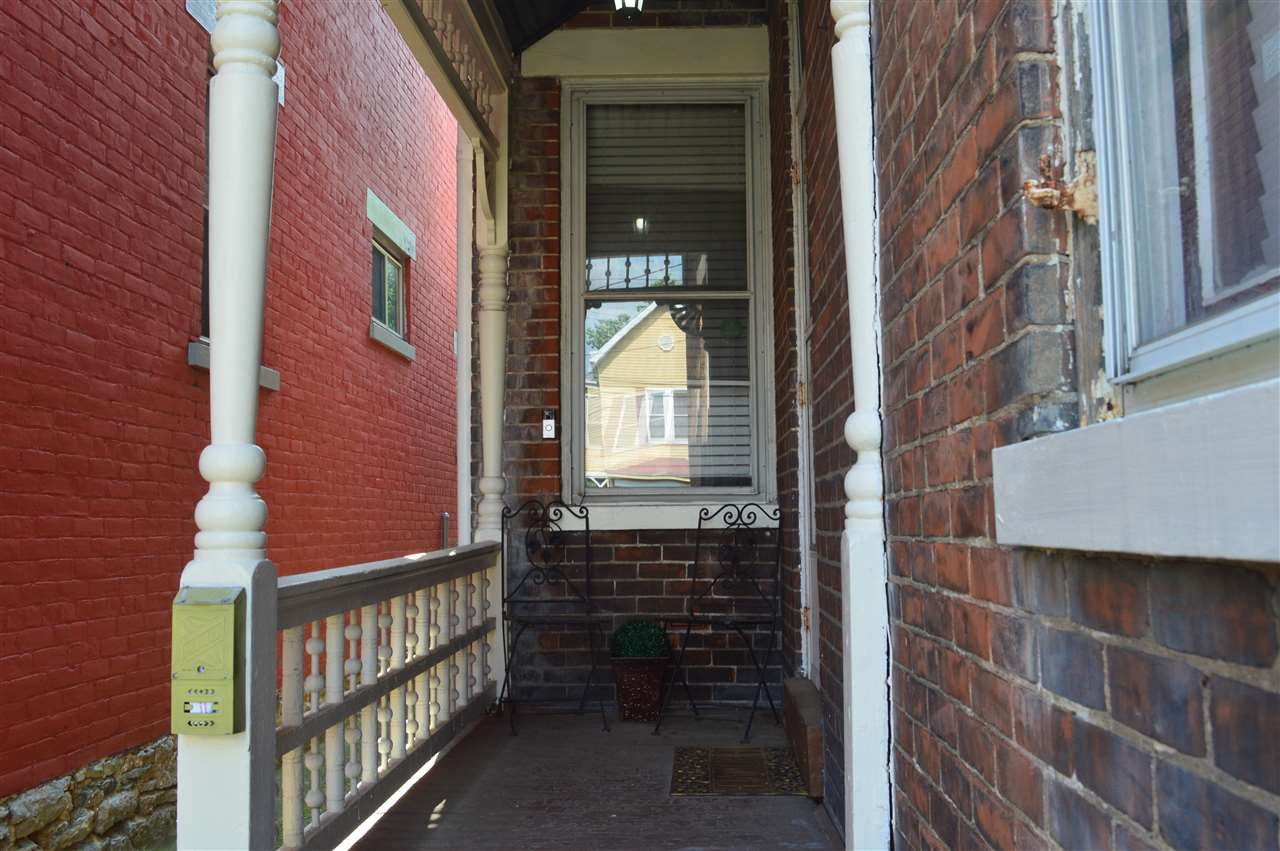 Photo 2 for 1915 Greenup St Covington, KY 41011