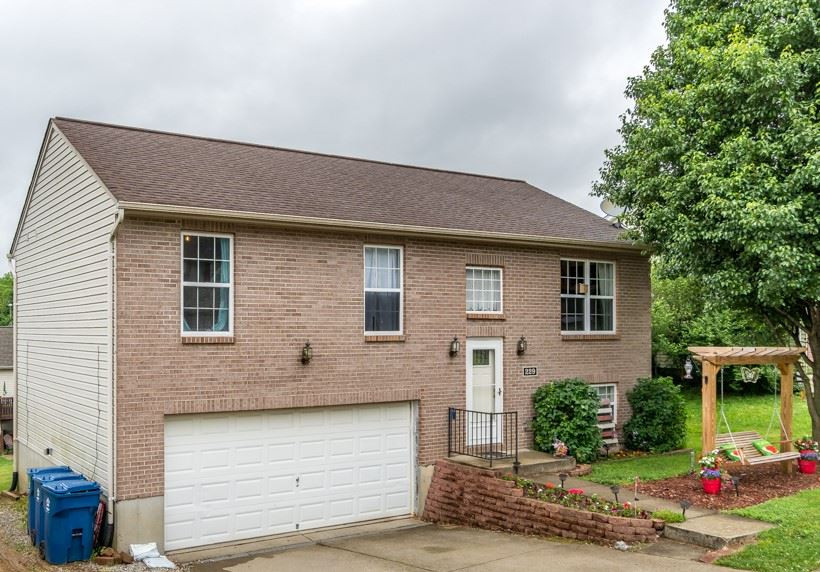 Photo 3 for 229 Redwood Dr Dry Ridge, KY 41035