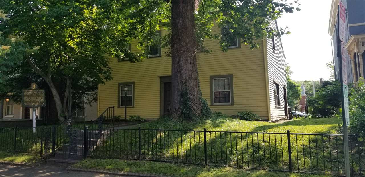 Photo 2 for 528 Greenup St Covington, KY 41011