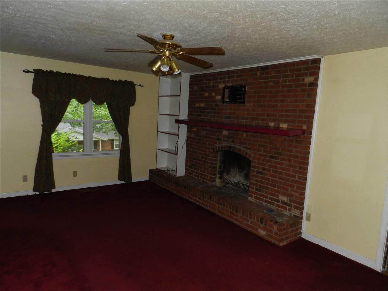 Photo 2 for 20 La Pine Ave Williamstown, KY 41097