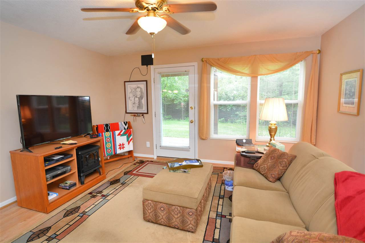 Photo 2 for 7465 Ridge Edge Ct, A Florence, KY 41042