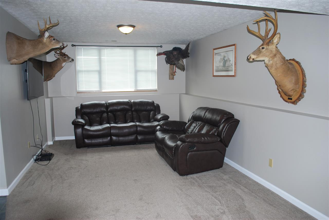 Photo 3 for 8 N Rosewood Ct Alexandria, KY 41001