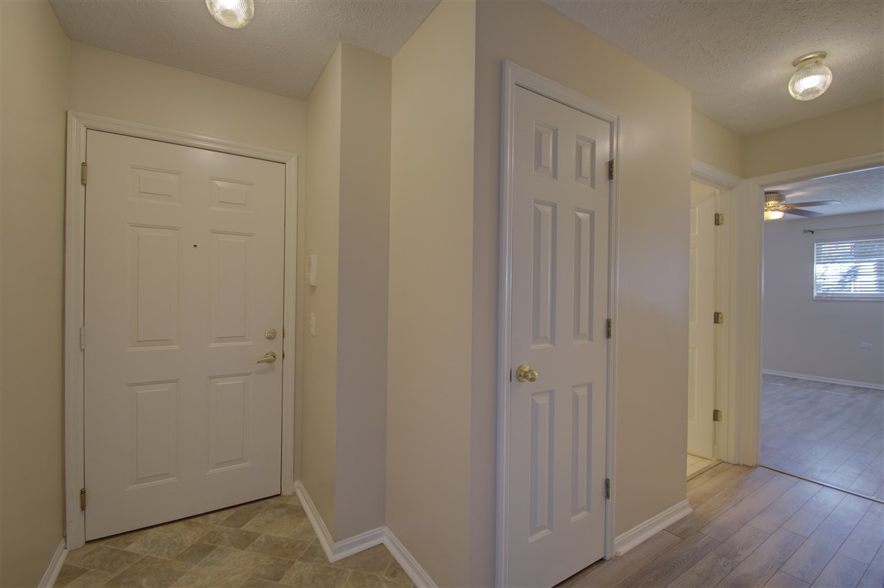 Photo 3 for 14 Meadow Ln, 1 Highland Heights, KY 41076