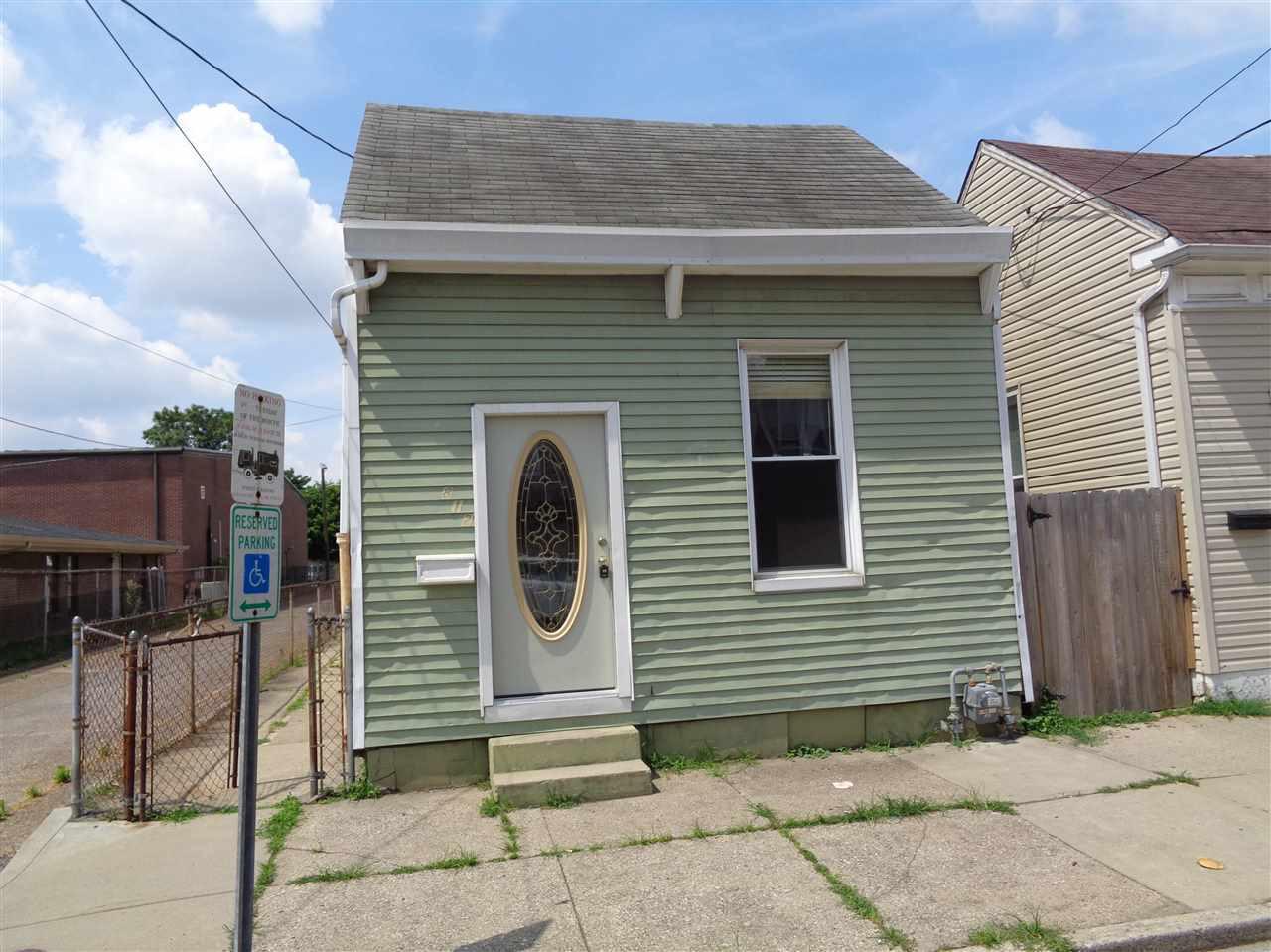 812 Patterson St