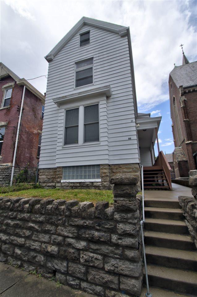 Photo 2 for 640 W 11th Covington, KY 41011