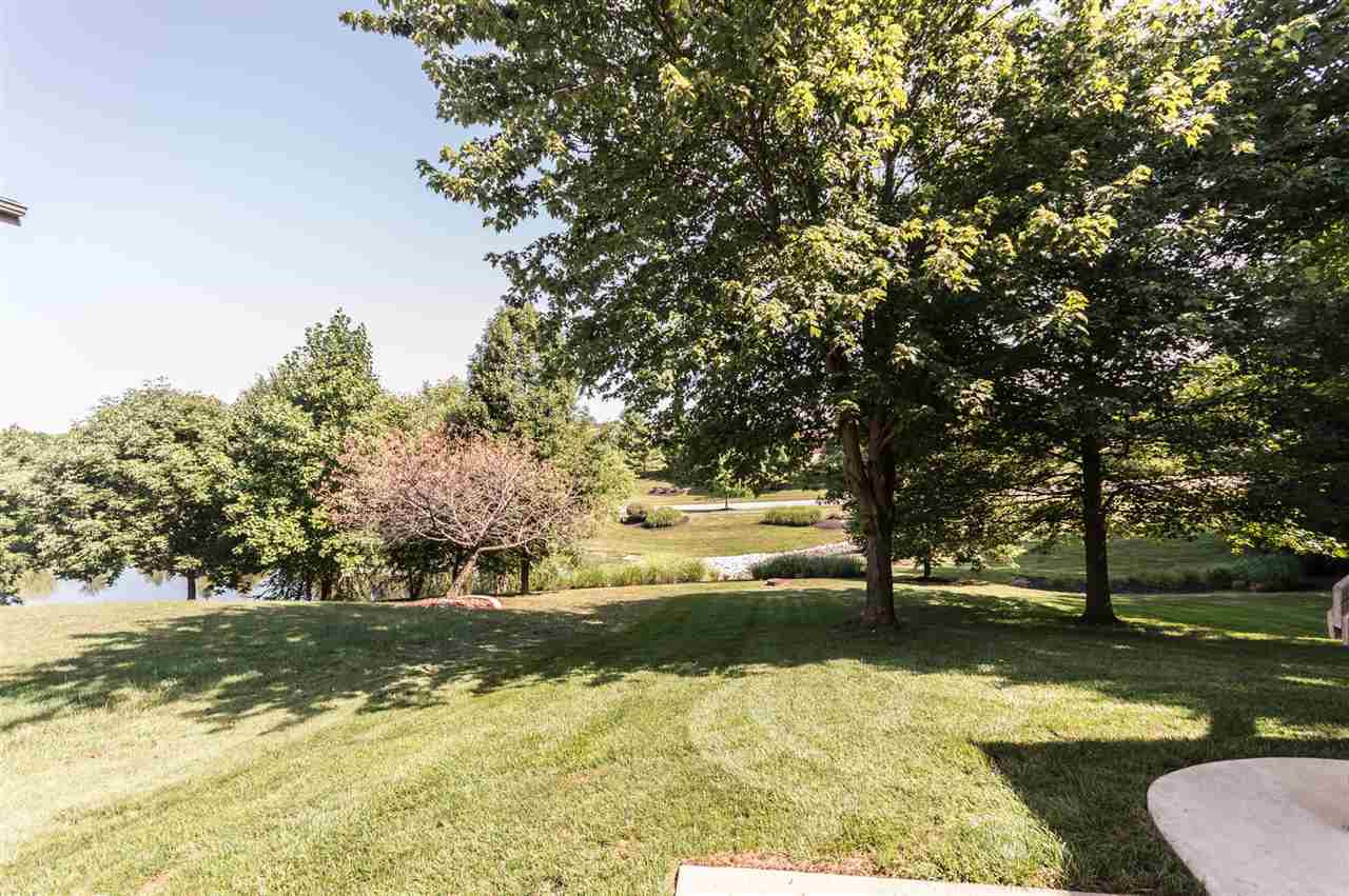 Photo 2 for 2085 Woodsedge Ct Hebron, KY 41048