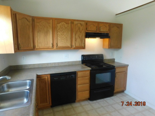 Photo 3 for 252 Redwood Dr Dry Ridge, KY 41035