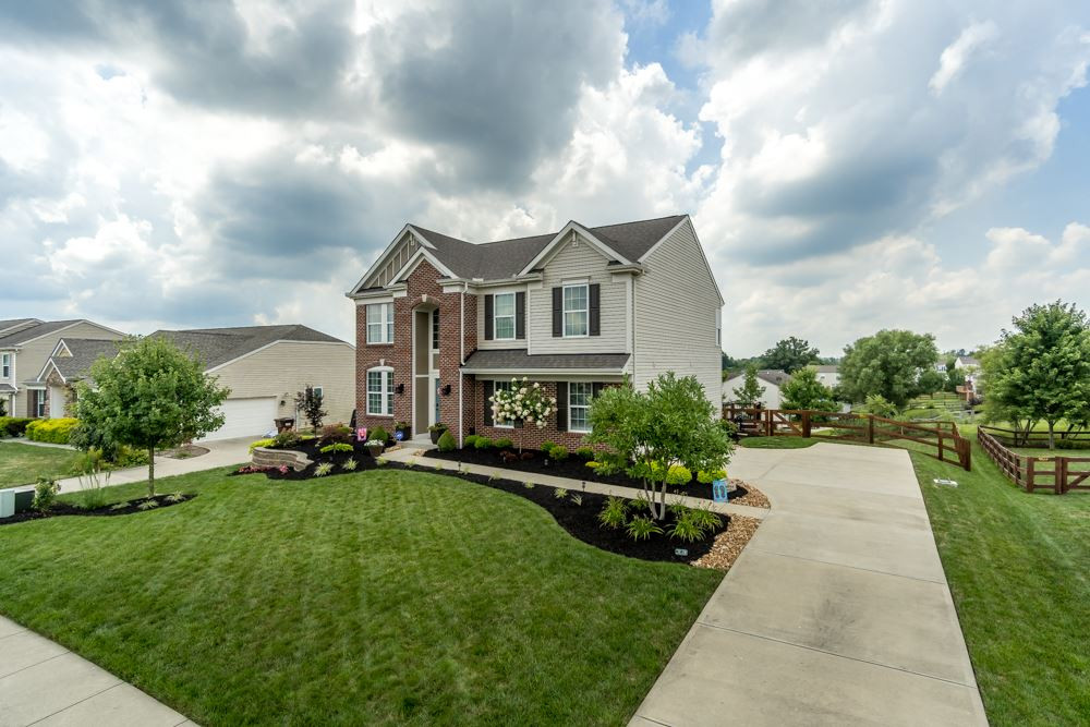Photo 3 for 1377 Meadow Breeze Independence, KY 41051