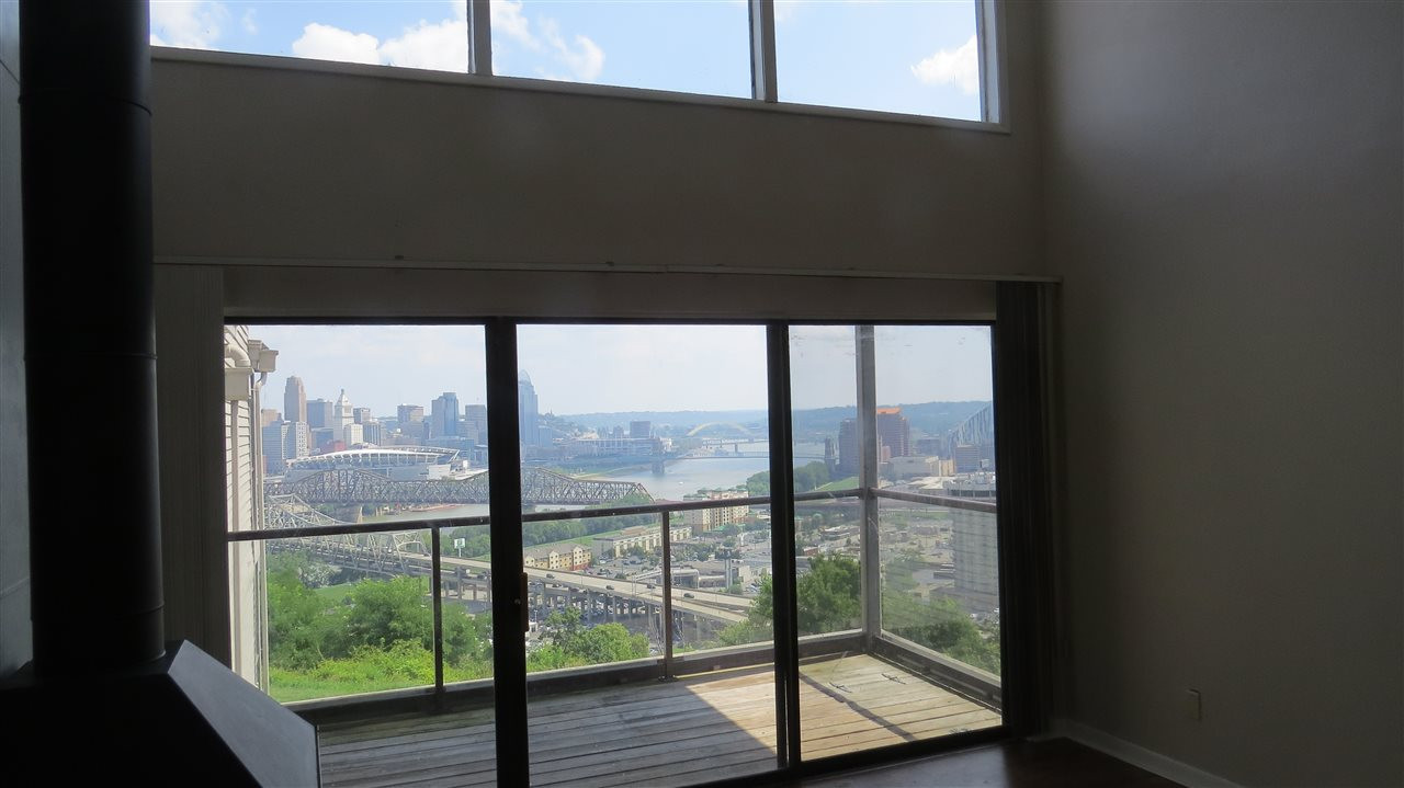 Photo 3 for 107 Winding Way, Unit A Covington, KY 41011