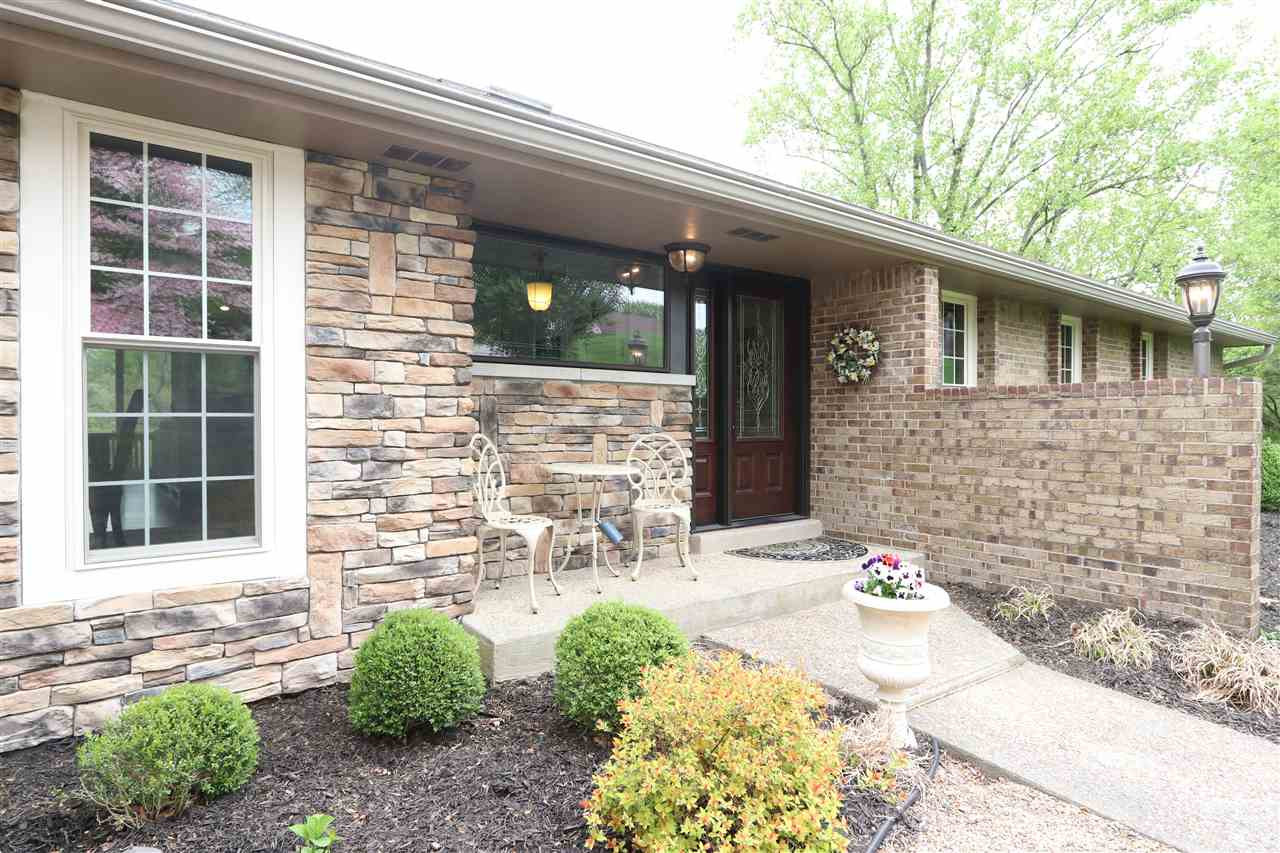 Photo 3 for 28 Linden Hill Ct, A Crescent Springs, KY 41017