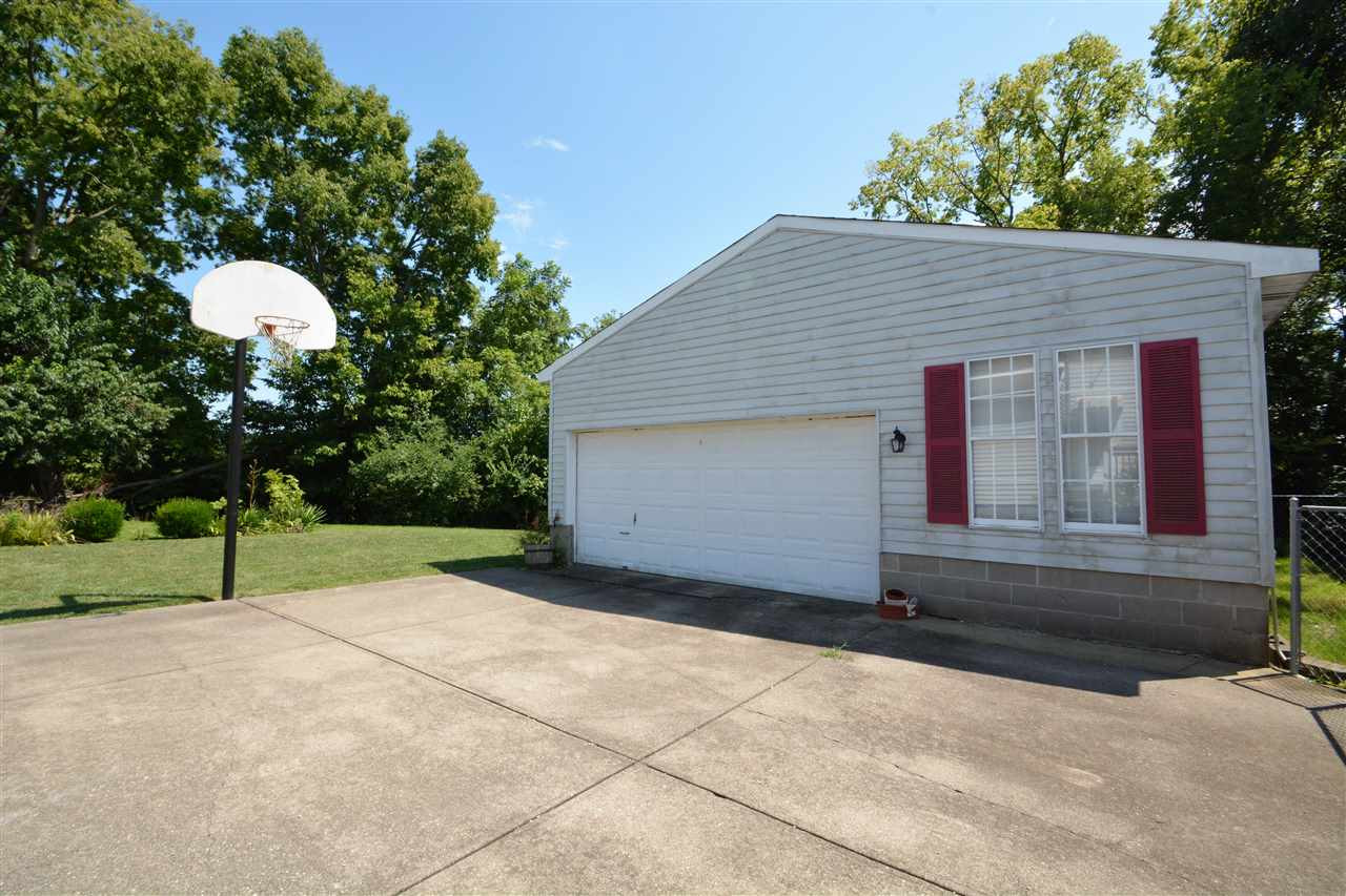 Photo 2 for 137 E 43rd St Latonia, KY 41015
