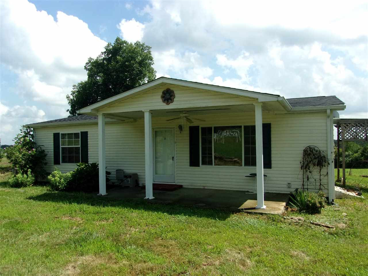 Photo 1 for 820 Oakland Rd Brooksville, KY 41004