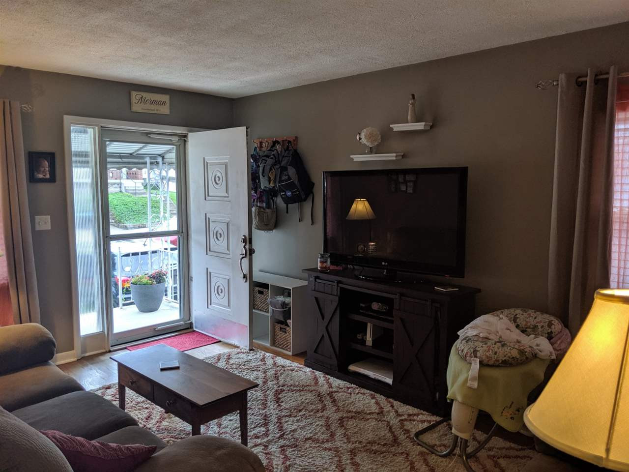 Photo 3 for 804 Berry Ave Bellevue, KY 41073