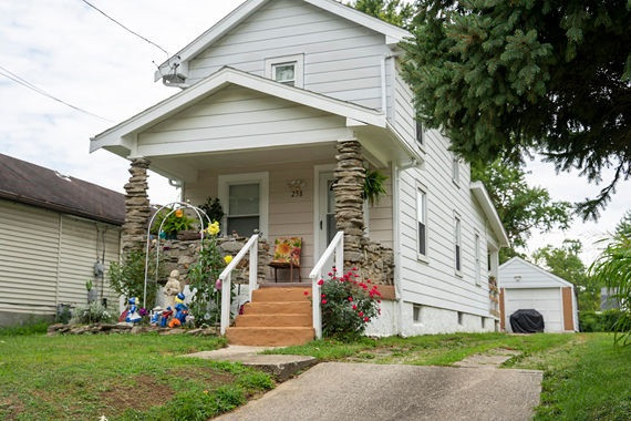 258 Shaw Ave