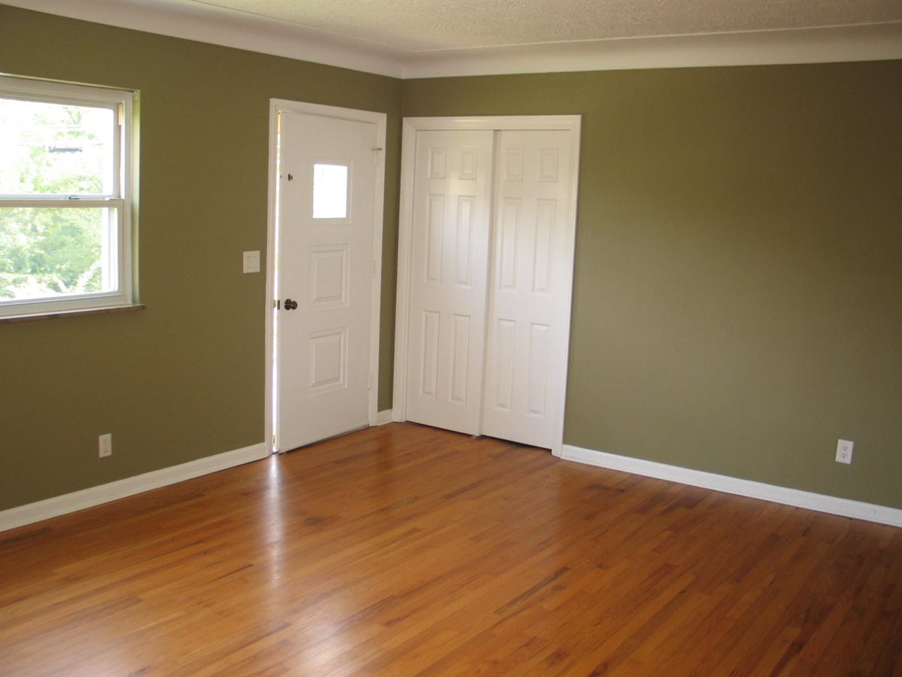 Photo 3 for 1330 Waterworks Rd Newport, KY 41075