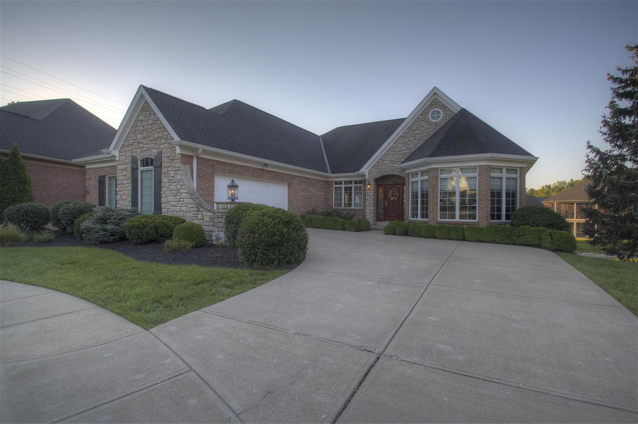 Photo 1 for 838 Whitewood Ct Villa Hills, KY 41017