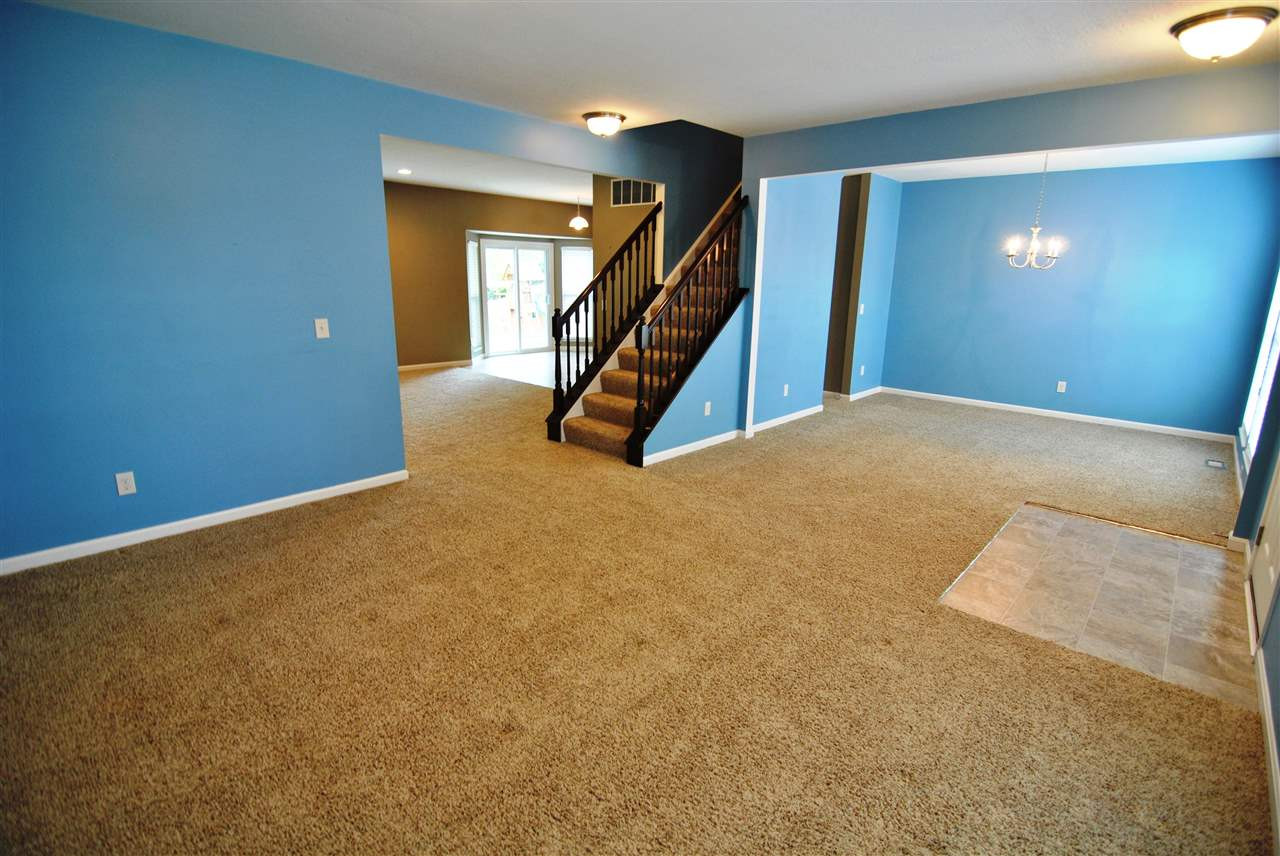 Photo 2 for 1011 Cherryknoll Ct Independence, KY 41051