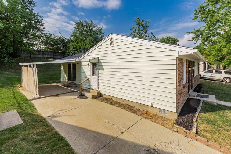 Photo 2 for 3777 Feather Ln Elsmere, KY 41018