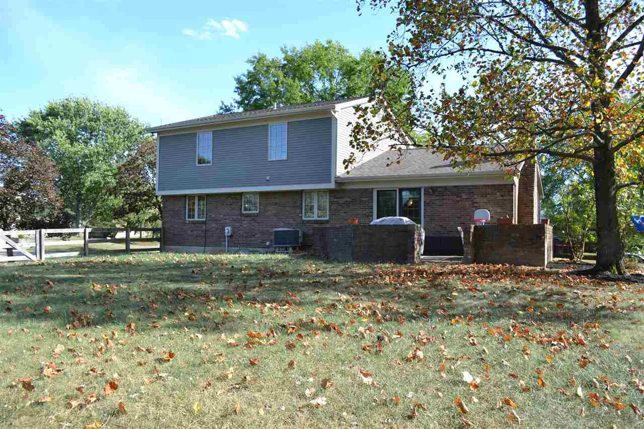 Photo 2 for 749 Heather Ct Villa Hills, KY 41017