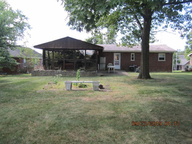 Photo 2 for 742 Rogers Rd Villa Hills, KY 41017