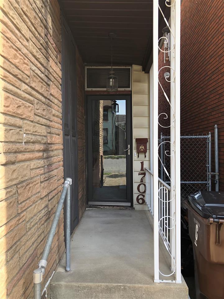 Photo 3 for 1706 Garrard St Covington, KY 41014