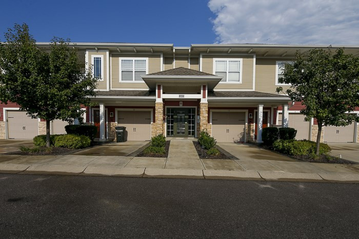 1885 Riverpointe Dr #9