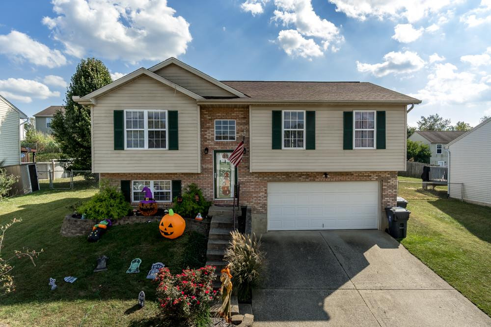 Photo 2 for 224 Brentwood Dry Ridge, KY 41035